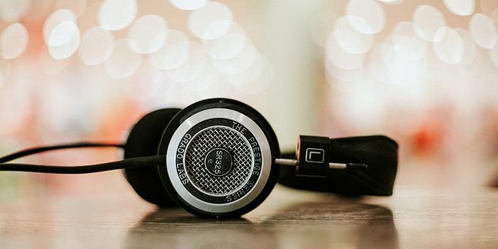 AR耳机:更智能地操纵声音 刘向东, 编著